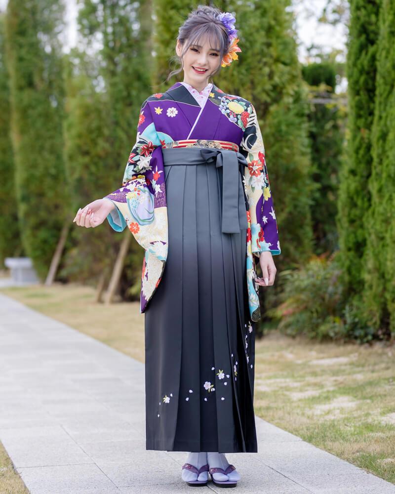上品な大人の女性に人気の卒業式袴コーディネート。