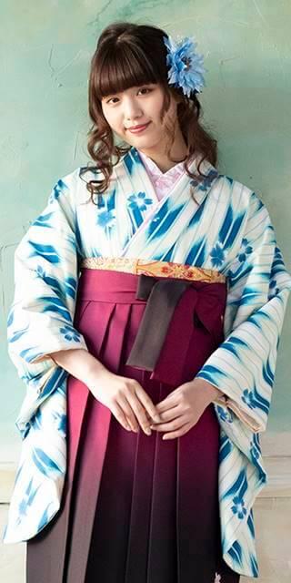 着物:ブルー矢がすり桜
