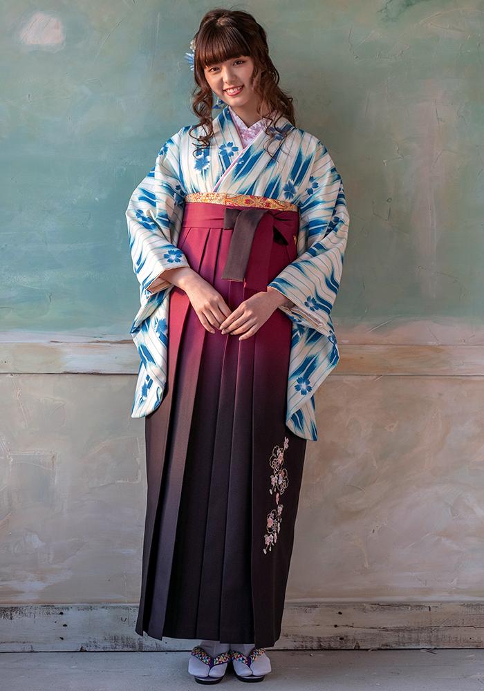 【着物】ブルー矢がすり桜+【袴】アズキボカシ花かごシシュウ