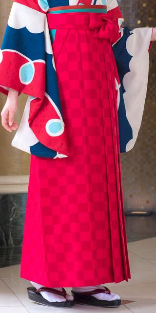 袴:チェック赤