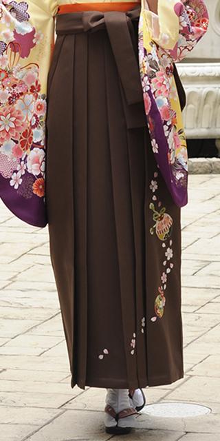 袴:チャイロ鈴桜