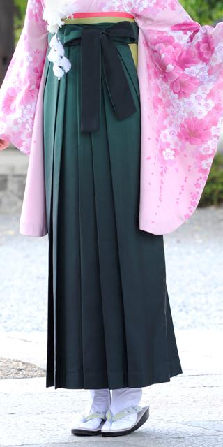 袴:フカミドリボカシ