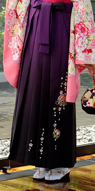 袴:ムラサキボカシ手まりシシュウ
