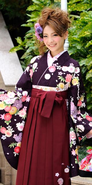 着物:濃い紫かのこ四季花