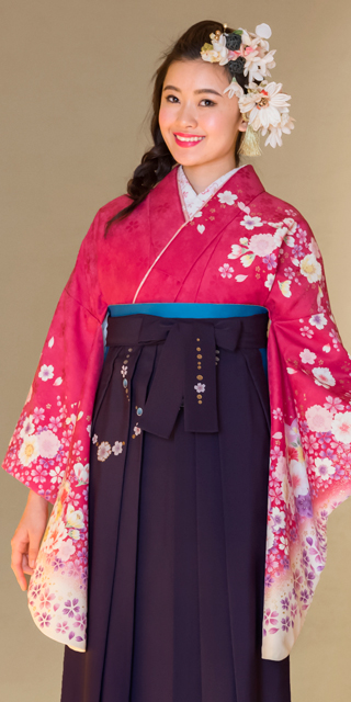 着物:ローズ桜袖金ちらし