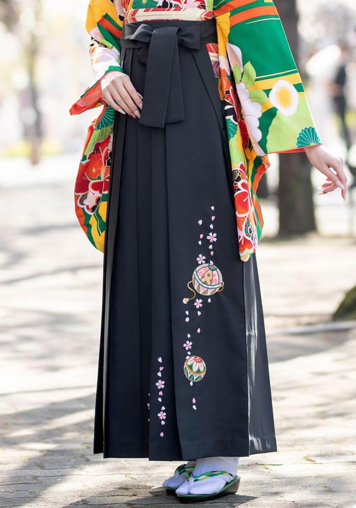宅配でレンタルできる京都さがの館の黒い袴