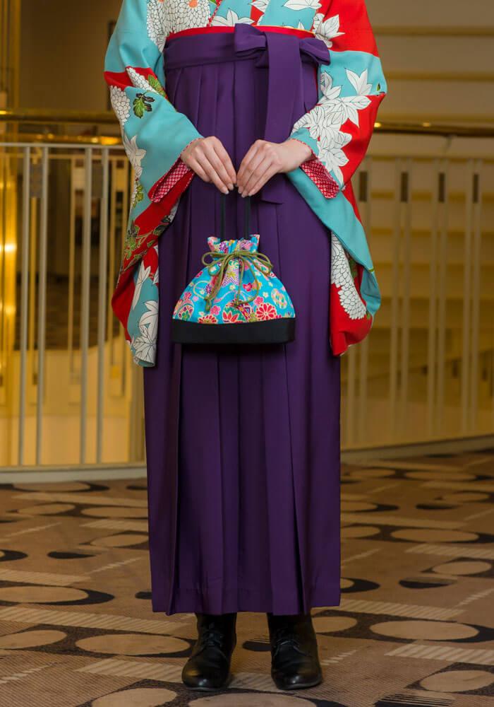 袴:ムラサキ