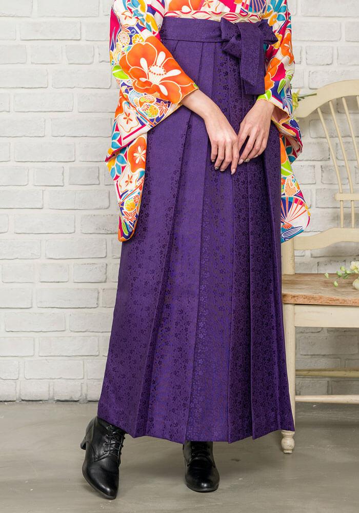 袴:紫サクラ小紋