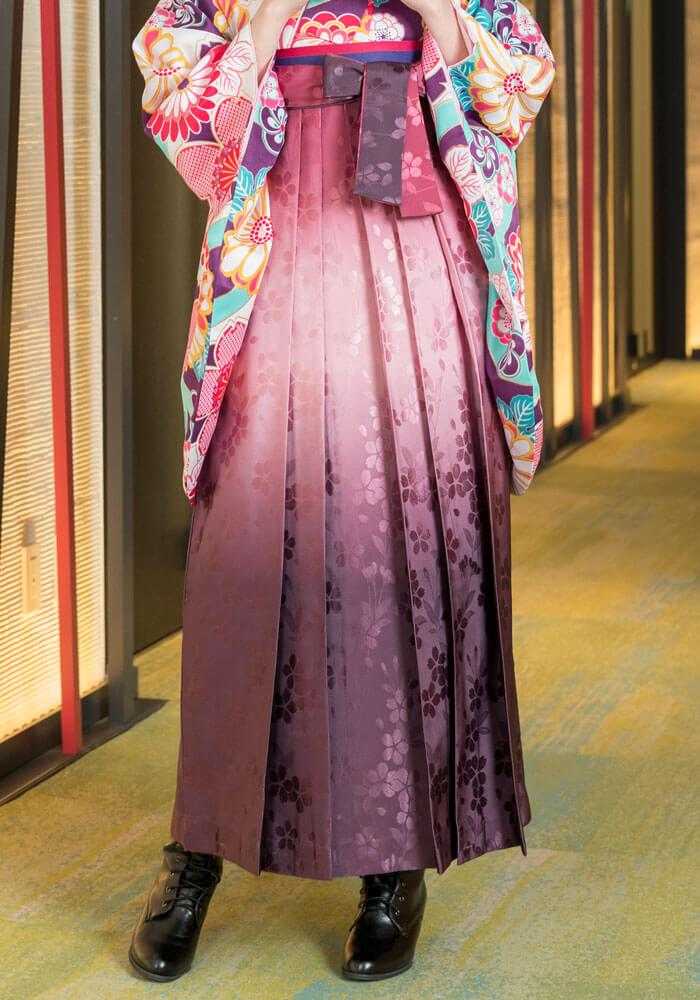 卒業式に着るピンクのグラデーション袴